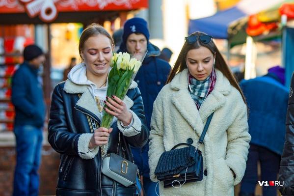 Гендерные праздники подарят стране еще по три выходных дня в феврале и марте