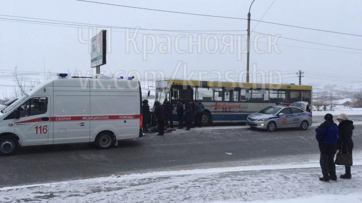 «Водитель мог просто заснуть»: опубликовано видео смертельного ДТП на Калинина