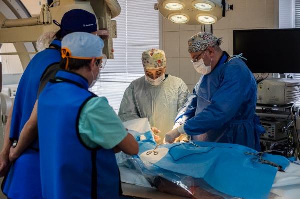 Врачи кардиодиспансера заявили, что первыми в России стали делать операции по новому методу с электродами