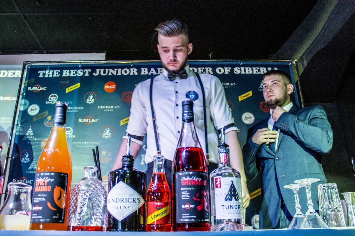 В клубе «Танцуки» прошёл чемпионат Новосибирской ассоциации барменов «Лучший молодой бармен Сибири»