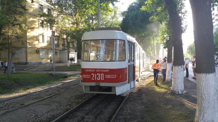 «Был характерный запах»: самарцы сообщили о задымлении вагона в трамвае S5