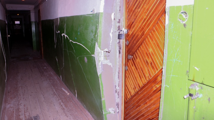 В ноябре в доме на Клары Цеткин взрывом повредило стену. Её до сих пор не восстановили