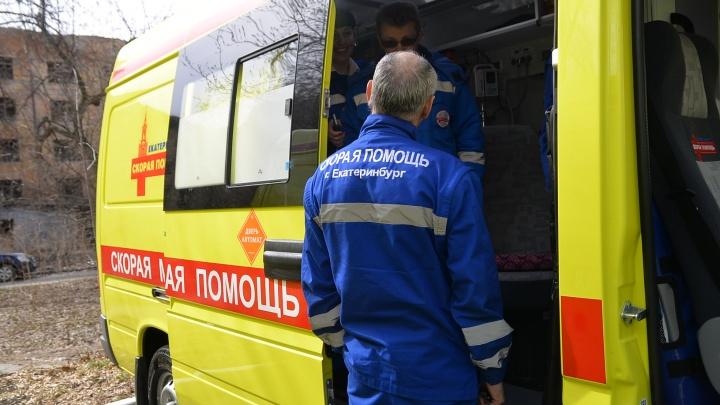 В гипермаркете на Уралмаше посетительница сломала позвоночник из-за упавшего на нее стеллажа