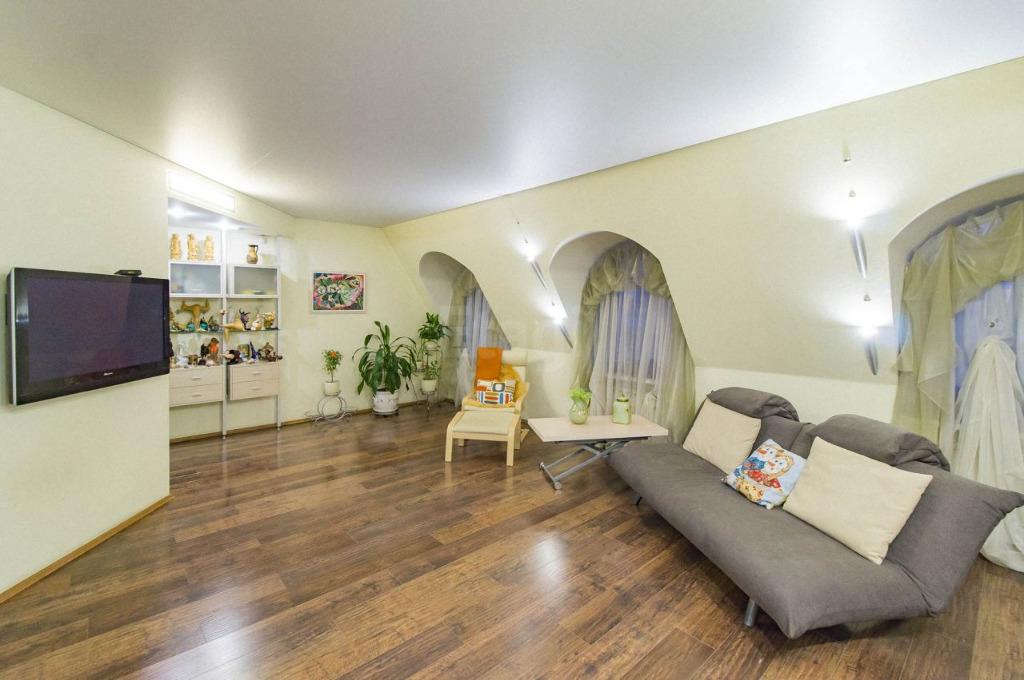 Так выглядит самая дорогая квартира на Космонавтов, которая находится в продаже