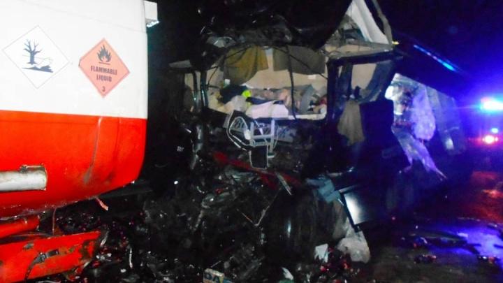 В Ростовской области в столкновении двух грузовиков погиб мужчина