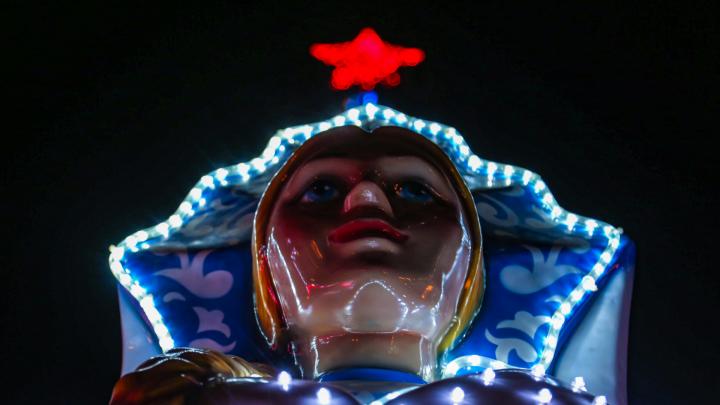 Ослепительные «кокошники», пиксельные елки и ледовые городки: Уфа готова к встрече Нового года
