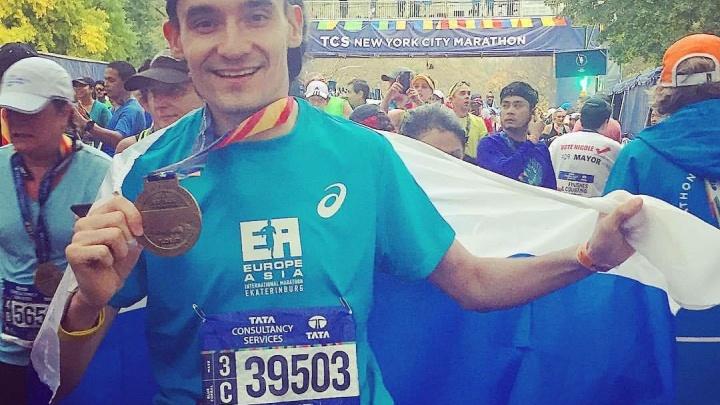 Новосибирцы пробежали 42 километра на международном марафоне в Нью-Йорке