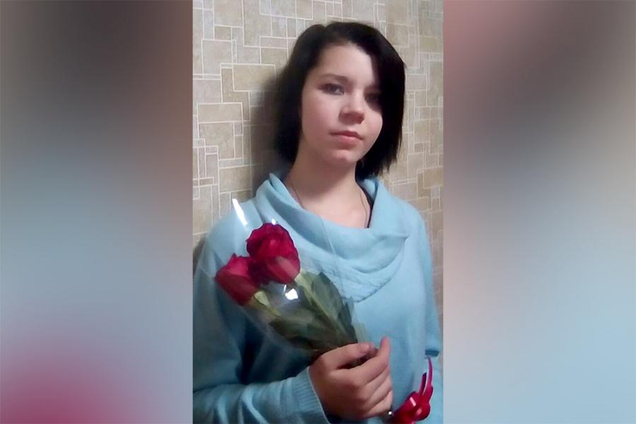 Влевобережье Новосибирска пропала школьница вкрасной шапочке