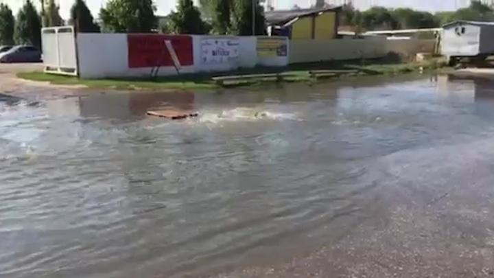Очевидцы: «Участок Ракитовского шоссе в Самаре затопило канализационными стоками»