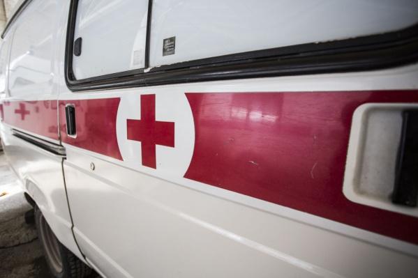 Машина скорой помощи ехала на вызов