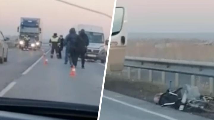 В Ростовской области на трассе насмерть сбили велосипедиста