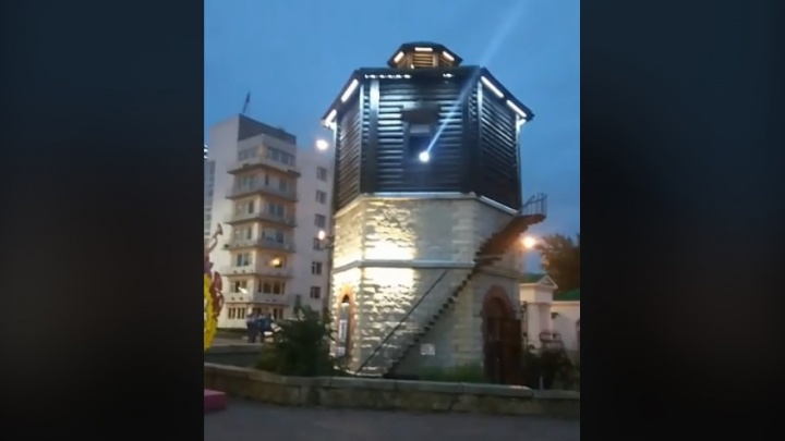 На один вечер Водонапорная башня на Плотинке превратится в маяк, как в морском порту