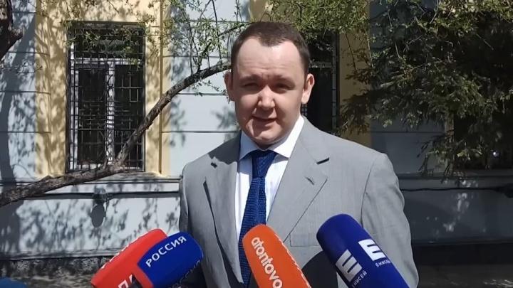 «Объявите меня политзаключенным»: обвинение запросило для депутата Аркадия Волкова 11 лет заключения