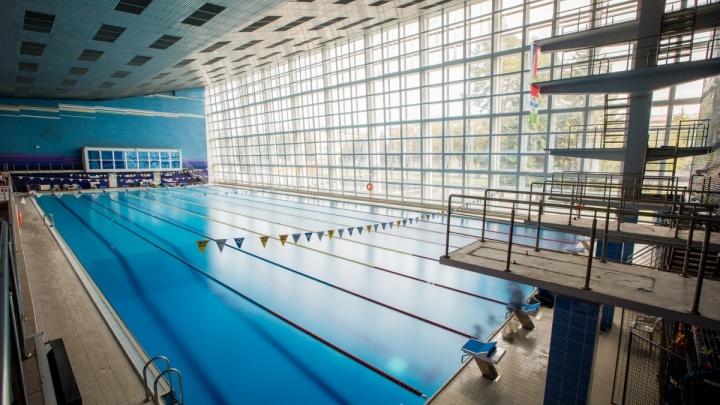 В бассейне «Нептун» погиб рабочий — он упал в чашу без воды