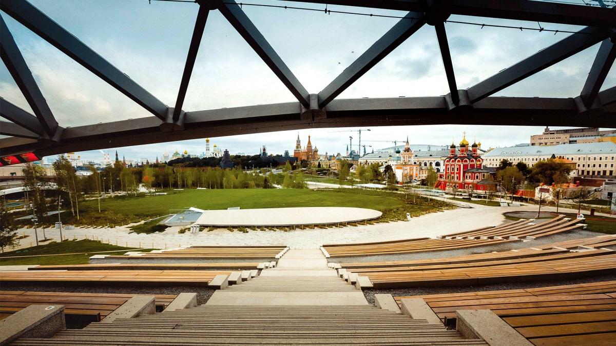 Парк «Зарядье» в Москве — пример, когда здания снесли, чтобы посадить деревья, а не наоборот