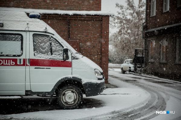 По данным специалистов, в среднем скорые застревают в снегу на 5–15 минут