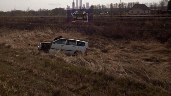 Под Красноярском пьяный водитель отправил в кювет Probox. Пострадал водитель последнего