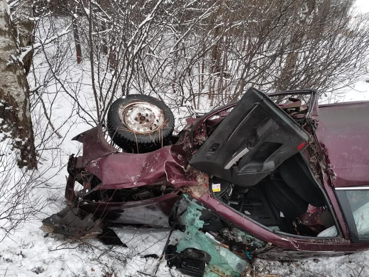 Водитель получил сильные травмы, но остался жив