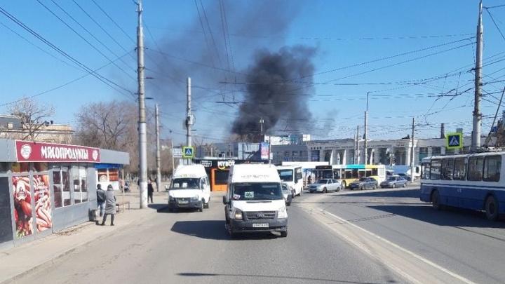 «Сейчас это лишь строительный мусор»: в Волгограде горели руины тракторного завода