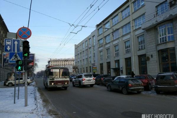 Сейчас по участку Советской от Вокзальной магистрали до Ленина может ездить только общественный транспорт<br>