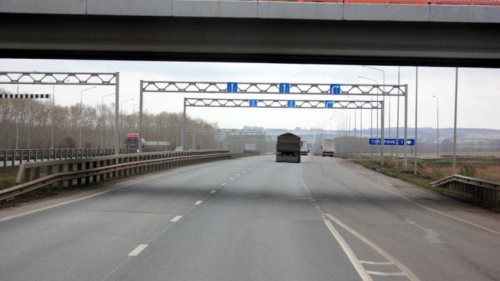Грузовик под запретом: в Башкирии на месяц ограничат движение фур