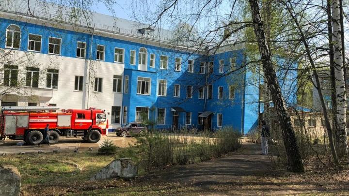 В больнице неподалеку от Екатеринбурга вспыхнул пожар из-за короткого замыкания