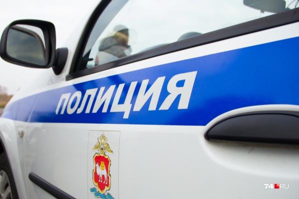 Разбушевавшегося мужчину увезли в отдел полиции