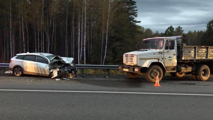 Водитель, устроивший ДТП с грузовиком на ЕКАД, признался, что уснул за рулём