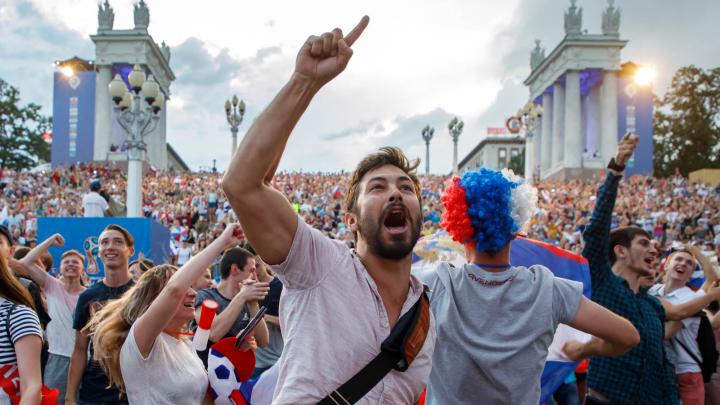 Это было как будто не с нами: год назад Волгоград простился с ЧМ-2018 — большой фоторепортаж V1.RU