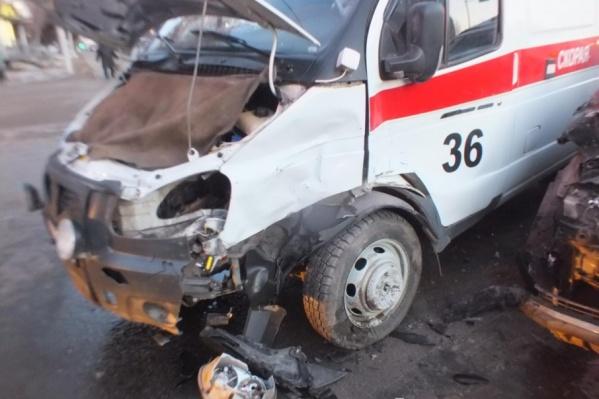 Три пешехода, водитель и фельдшер пострадали в авариях накануне