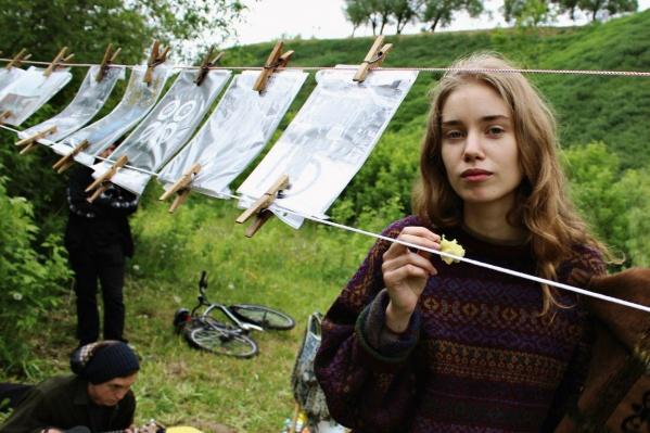 Фестиваль «Ключ» уже который год подряд проходит в овраге недалеко от моста Влюбленных