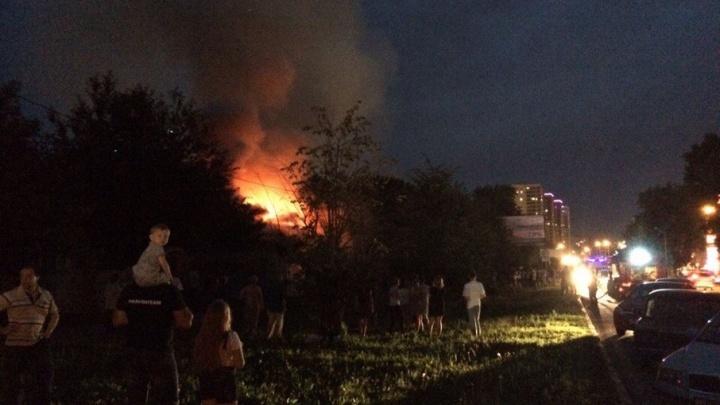 В Уфе произошёл крупный пожар возле ТЦ «Июнь»