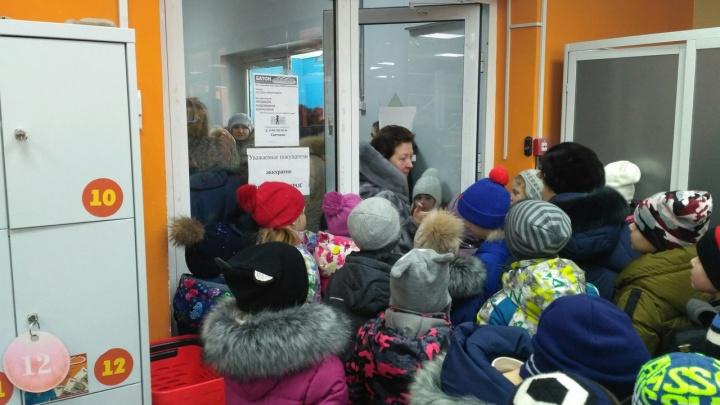Детей эвакуировали из железногорской школы после сообщения о минировании