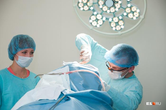 Для проведения операции использовалиригидный бронхоскоп, который появился в больнице недавно