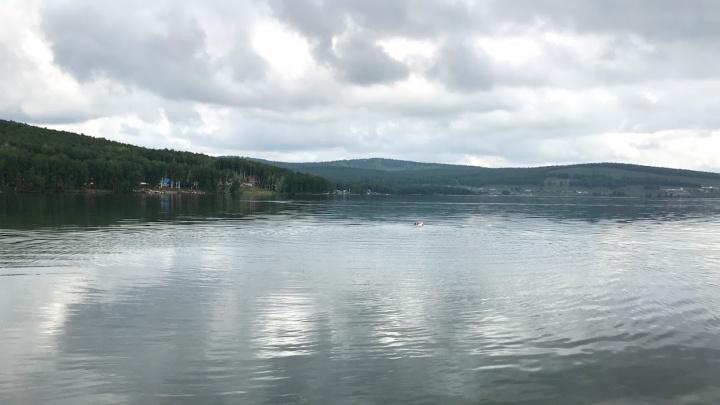 9-летняя девочка погибла от винта моторной лодки на озере Большое