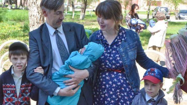 В Омске родилась первая в этом году тройня