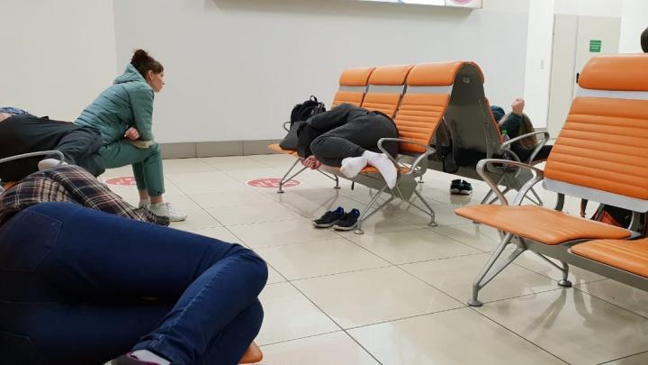 «Представитель авиакомпании говорила о неисправности»: в Екатеринбурге трижды перенесли рейс в Краби