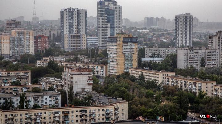 МЧС: в Волгоградской области ожидаются ливни с грозами, град и сильный шторм до 28 м/c