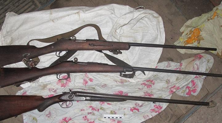 Полиция задержала жителя Таганрога, который хранил дома ружья, порох и патроны