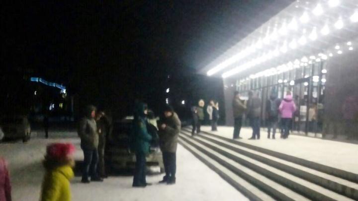 Эвакуировали 100 жильцов: южноуральца, «заминировавшего» многоэтажку, отправили в СИЗО