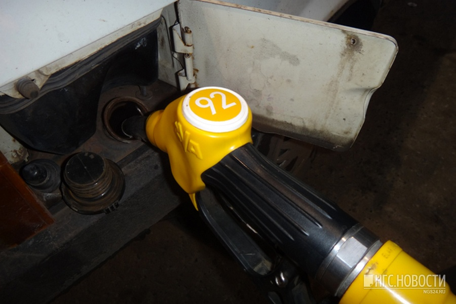 Запрещенный для продажи бензин отыскали накрасноярской заправке