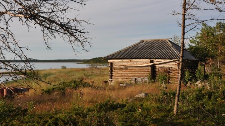 Семья из Лямцы решила возродить солеварение на побережье Белого моря