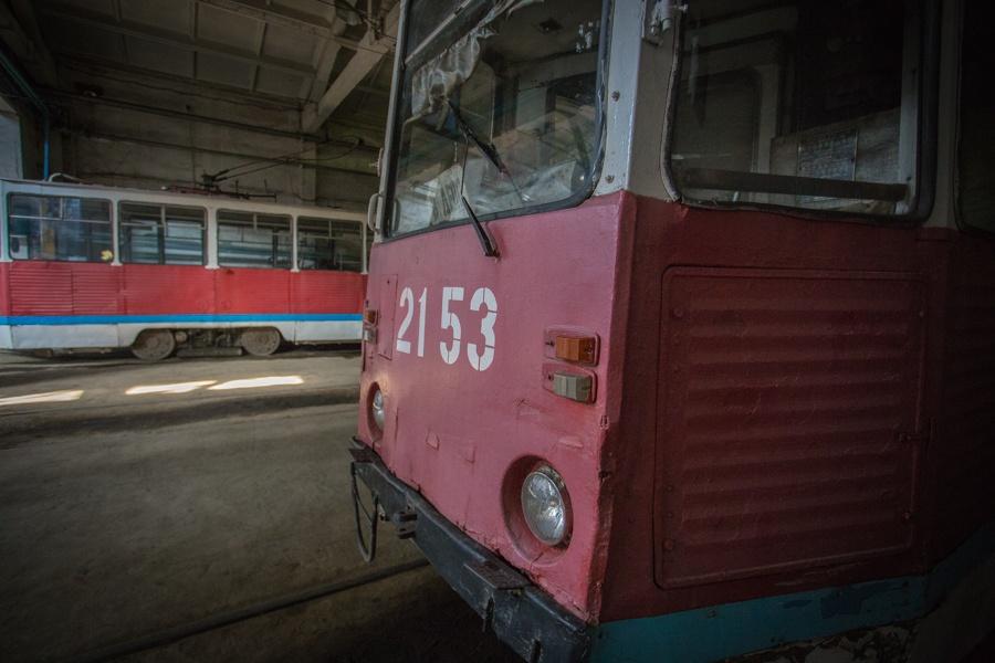 Вагоны КТМ остаются одними из самых распространенных в Новосибирске, но проходят глубокую модернизацию на заводе «БКМ-Сибирь»