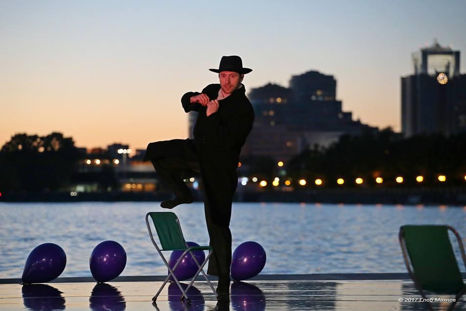 Екатеринбургские танцовщики устроят флешмобы у гордумы, в офисе Сбербанка и в Музее истории