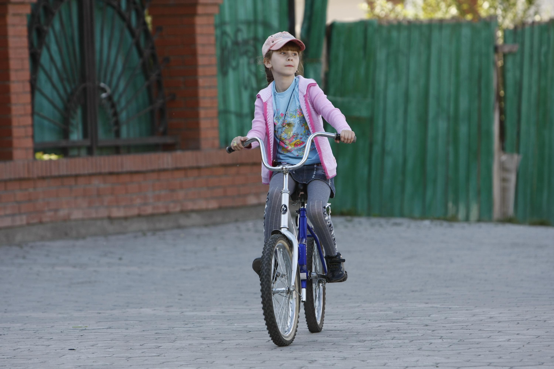 Детям до 14 лет выезд на проезжие части запрещен