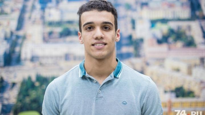 «Вижу мандарины и скучаю по родине»: студент из Марокко приехал в Челябинск, чтобы играть в футбол