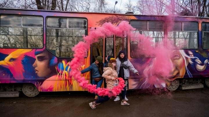 Баба-яга против ЖЭКа: 7 историй о крутых граффити России, которые убили коммунальщики