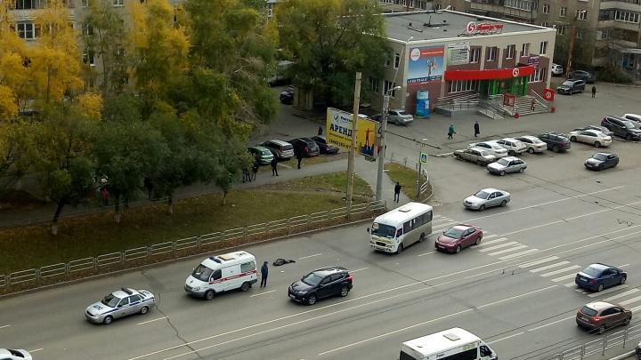 «Он даже не тормозил»: водитель маршрутки сбил пожилую челябинку