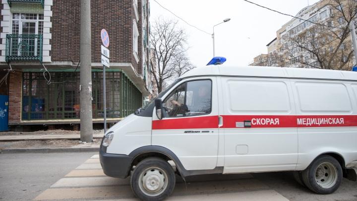 Выскочил под колеса: в Ростове иномарка сбила ребенка