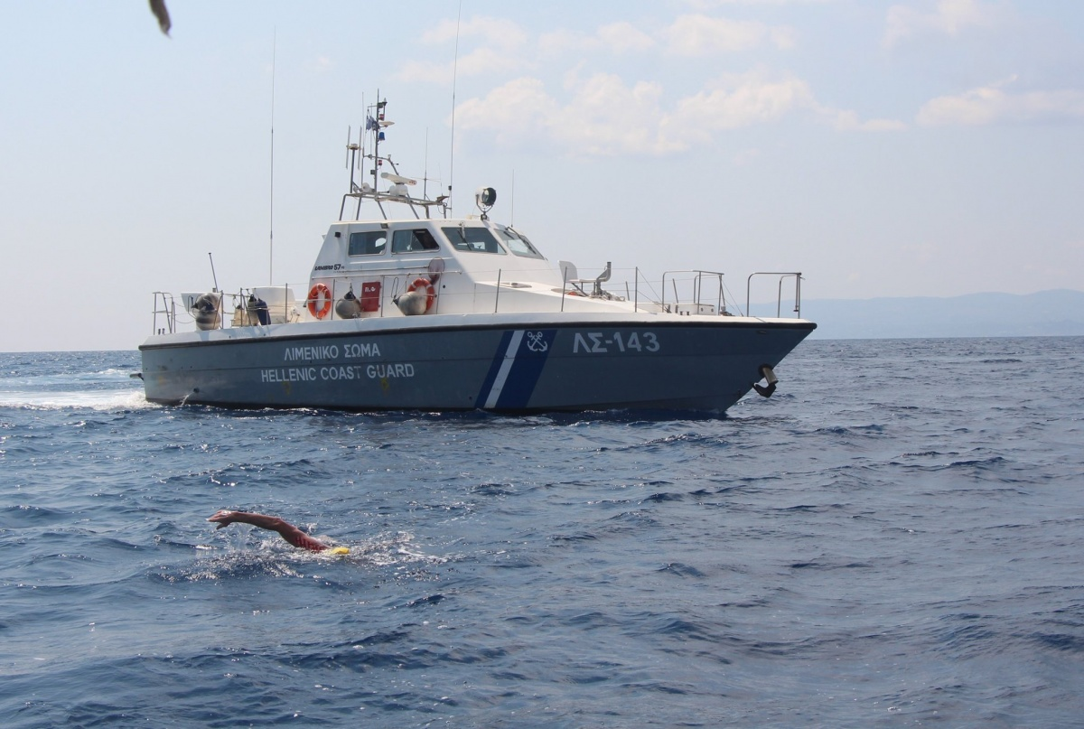 Даже у чемпионов мира нет таких дистанций: екатеринбуржец проплыл 30 километров по открытому морю